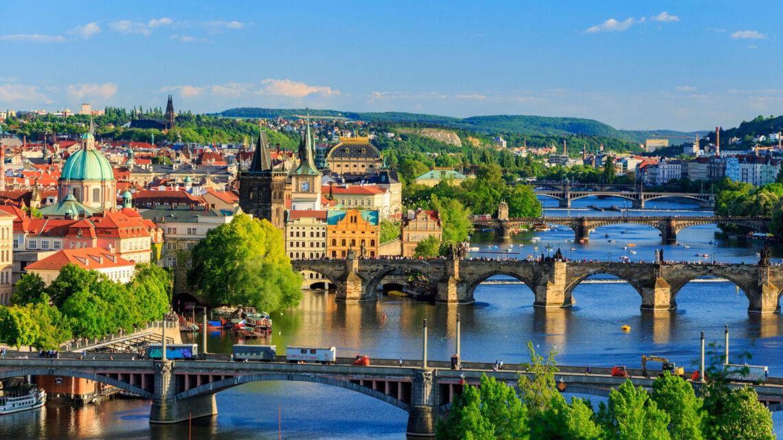 Spontan juletur til Prag med kæresten – Bonuslån
